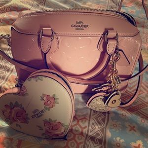 Coach purse wallet and keychain set.
